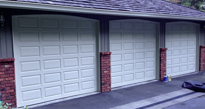 should downspouts be painted color of body or trim